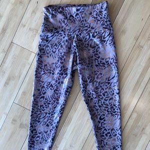 Onzie metallic leopard leggings